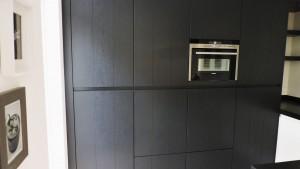 moderne-keuken-zwart-wit-strak-van-doren-maatinterieurs-nederweert (5)