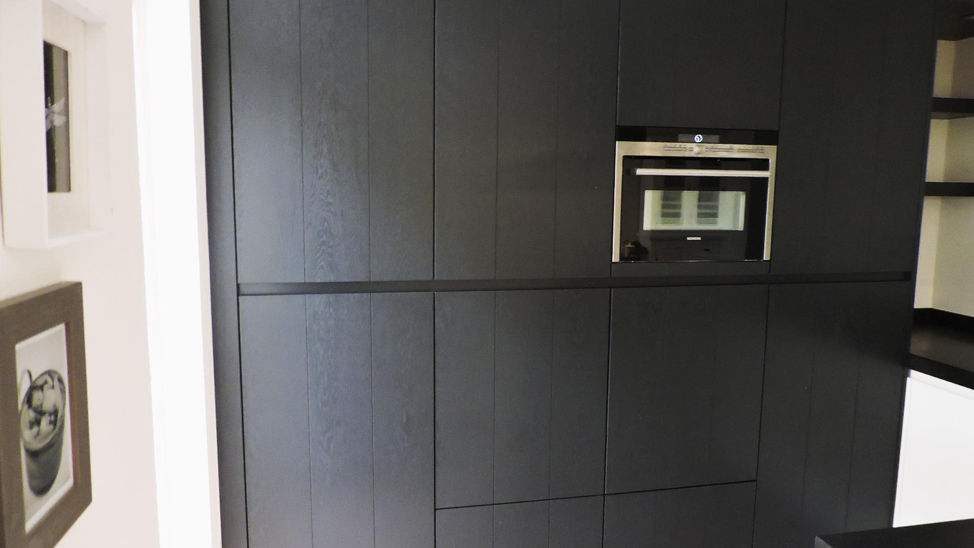 Keuken Eiken Zwart : Keuken eik zwart showroomkeukens be alle showroomkeuken
